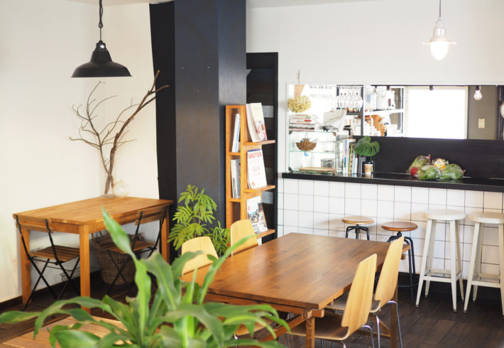 落ち着いた雰囲気でついつい長居したくなるくつろぎ系カフェ